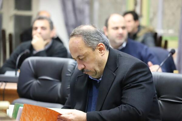 آقای نصرتی، شهرداری را سیاسی نکنید!!!