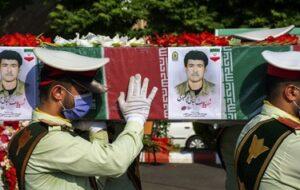 گزارش تصویری/ تشییع پیکر پاک شهید گیلانی تازه تفحص شده دوران دفاع مقدس در رشت